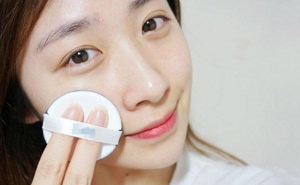 Chị em cần phải hết sức thận trong việc chăm sóc da mặt
