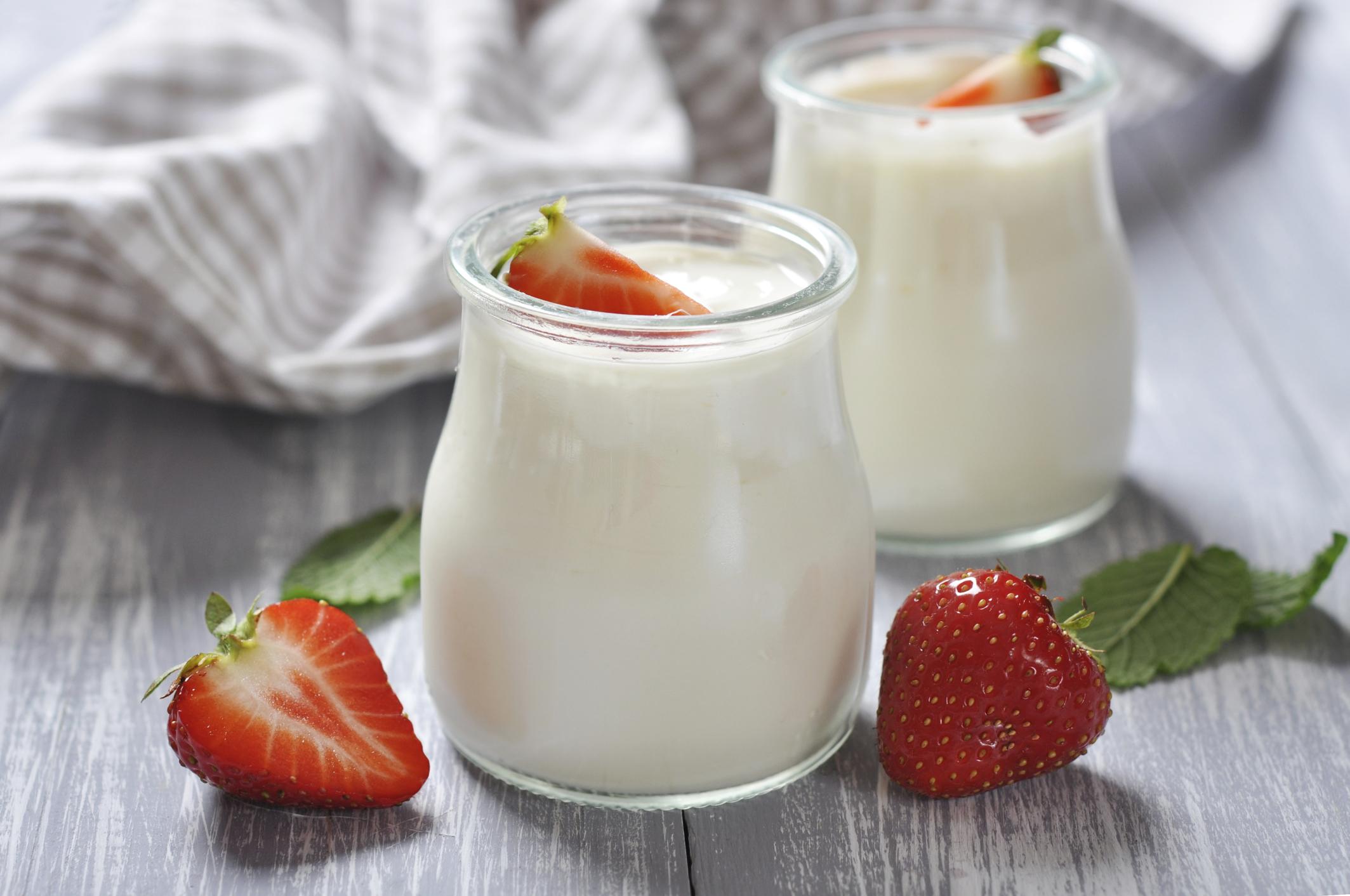Sữa chua giúp cho việc tiêu hóa tốt hơn, kích thích ăn uống.