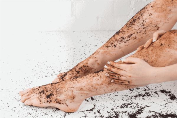 Da chân có nhiều phần da chết cần loại bỏ