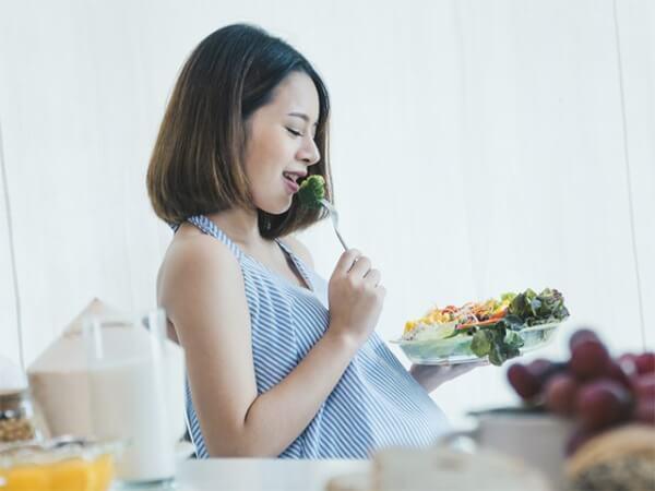 Ăn uống và sinh hoạt khoa học mang lại cho mẹ bầu làn khỏe mạnh