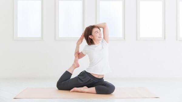Yoga cho gương mặt hồng hào tròn đầy hơn trông thấy
