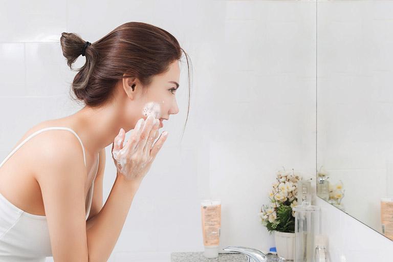 Chăm sóc da mặt khi bị nám tàn nhang giúp da khỏe mạnh hơn