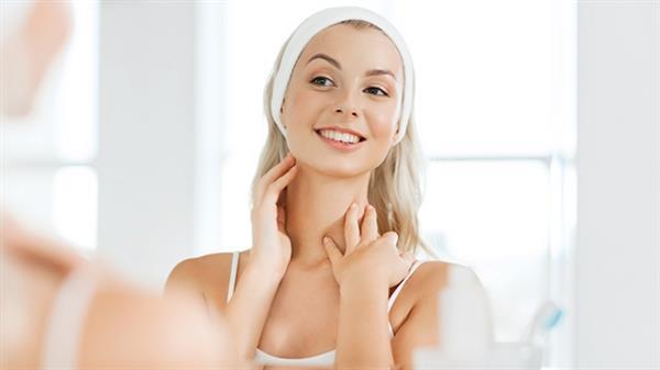Cần chú ý nhiều khi chăm sóc da vùng cổ