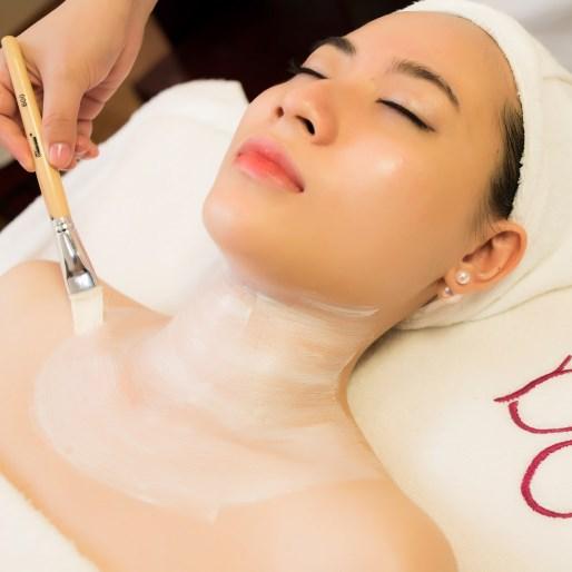 Dưỡng ẩm da cổ bằng các phương pháp phù hợp với cơ địa từng người