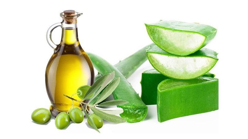 Nguyên liệu tự nhiên có tác dụng rất tốt trong việc cung cấp độ ẩm cho làn da khô