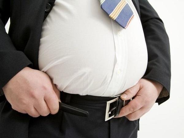 Dân văn phòng rất dễ bị béo bụng