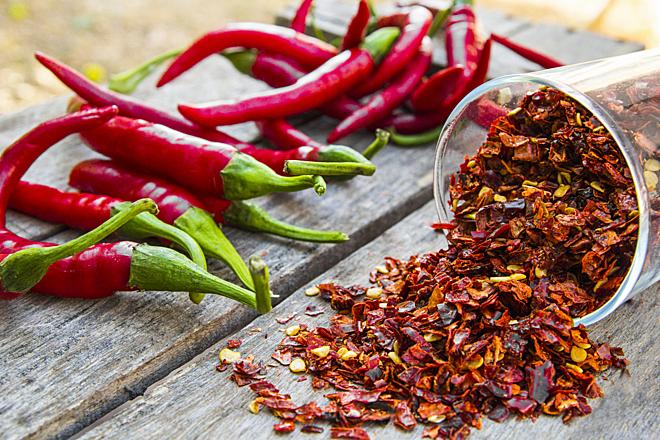 Mùa hè và việc ăn uống đồ cay nóng khiến cơ thể chúng ta nóng gấp đôi