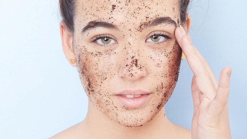 Loại bỏ những tế bào chết trên da để da được phục hồi và sản sinh da tế bào mới