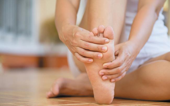 Ngứa da chân mùa đông là một bệnh lý ngoài da do ảnh hưởng bởi thời tiết