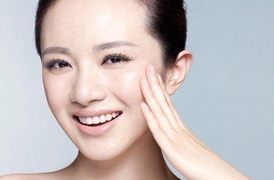 Cần ngăn ngừa trước để da mặt không bị nẻ bong tróc nữa