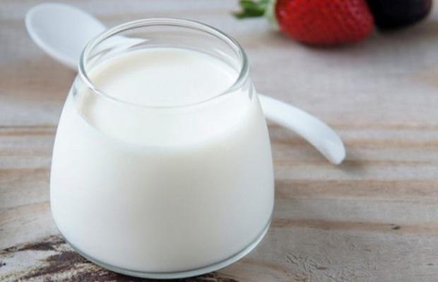 Sữa tươi không đường và nha đam giúp rạn mờ nhanh chóng, da hồng hào