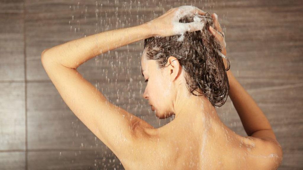 Nếu không tắm rửa hàng ngày dễ mắc phải những bệnh về da khi trời nóng