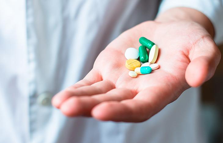 Có thể đến các nhà thuốc để các dược sĩ tư vấn và sử dụng thuốc tại nhà.