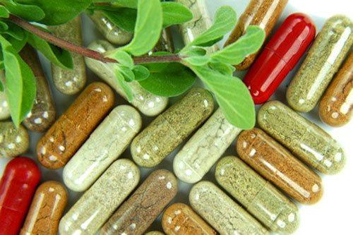 Bạn nên kết hợp với việc uống thuốc để những độc tố bên trong cơ thể đào thải ra ngoài
