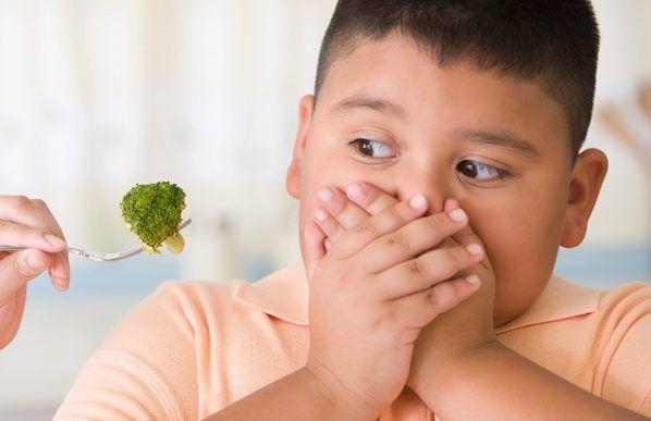 Thay đổi chế độ ăn cho con là cách hạn chế tình trạng béo phì ở trẻ sơ sinh