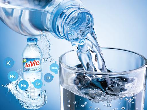 Để ngăn chặn các triệu chứng bệnh da rắn hãy cung cấp cho làn da đủ nước
