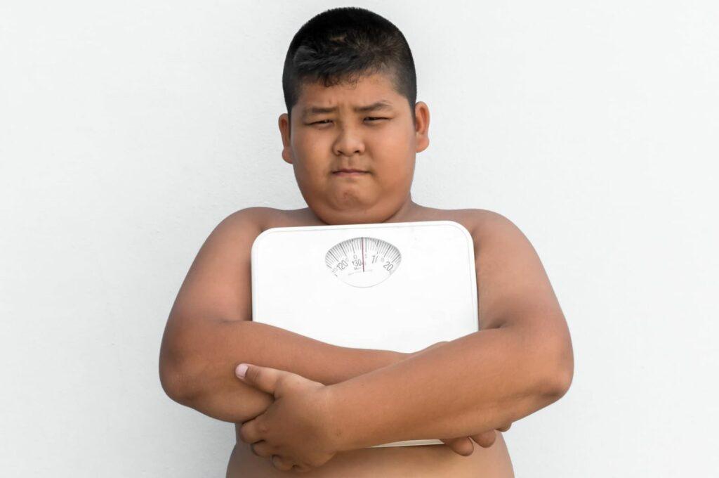Thừa cân béo phì là tình trạng tích tụ chất béo quá mức so với cơ thể