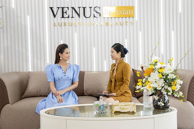 """Nữ diễn viên """"Tình yêu và tham vọng"""" trải nghiệm làm đẹp tại Venus by Asian"""