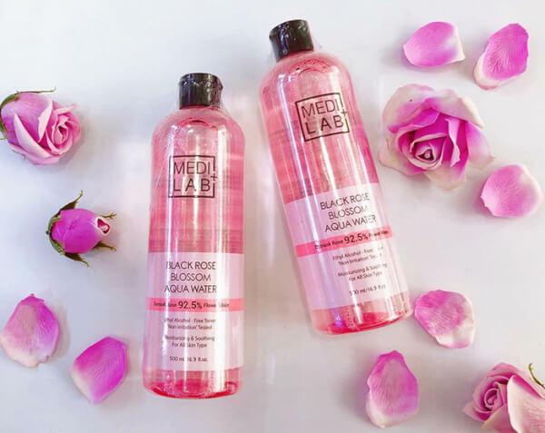 Nước hoa hồng một trong những sản phẩm dưỡng da rất tốt
