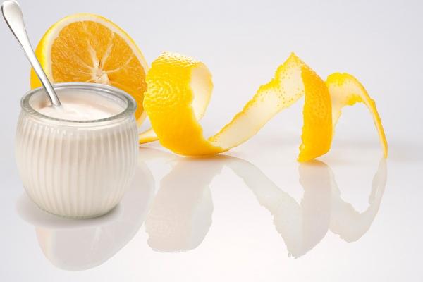 Cam tươi và sữa tươi là hai thành phần mang lại rất nhiều lợi ích đối với da
