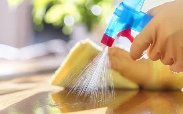 Một số loại hóa chất được thêm vào các sản phẩm như kem dưỡng ẩm, dầu gội đầu