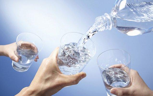 Bạn cần bổ sung lượng nước cần thiết cho cơ thể