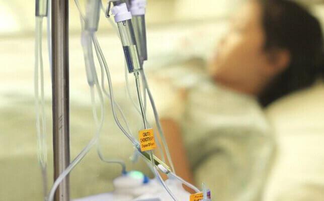 Nếu bệnh đã lan rộng, bạn cần đến bệnh viện để thực hiện hóa trị liệu.
