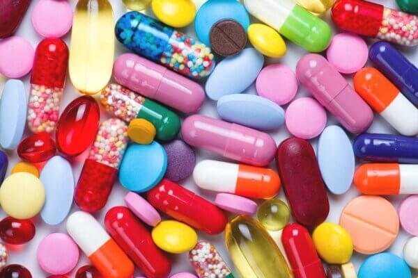 Thuốc đặc trị giúp kiểm soát tình trạng khô, ngứa, bong tróc
