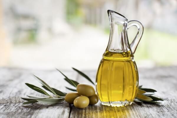Dầu oliu cũng là một lựa chọn nên cân nhắc