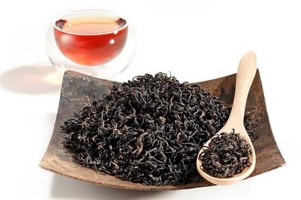 Trà đen giúp thúc đẩy nhanh quá trình mờ rạn