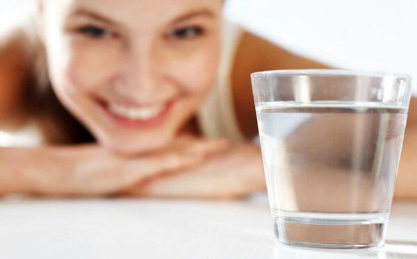 Nước là yếu tố quan trọng và quyết định đến tình trạng rạn da