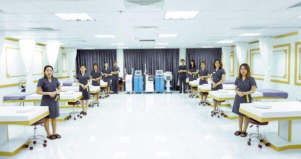 Phòng trị liệu vô trùng với hệ thống máy móc hiện đại đạt chuẩn y khoa quốc tế