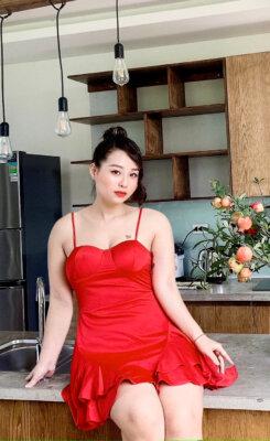 Cơ thể chị Hoà trước khi Giảm béo đa tầng Max Burning ở Phòng khám Thẩm mỹ Venus by Asian